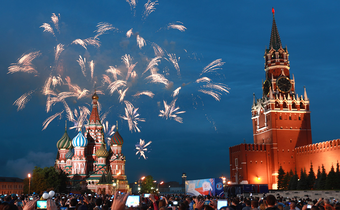 Салют на День России в Москве