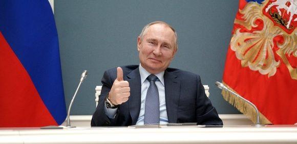 Красивые и прикольные поздравления с днем независимости России в 2021 году