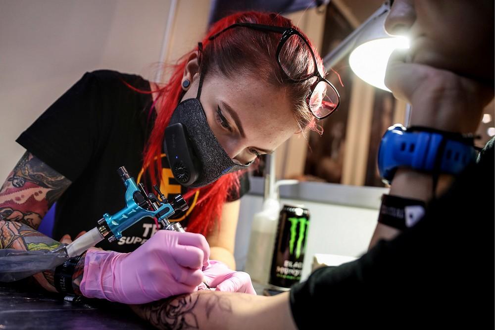 Какого числа отмечают День татуировщика в 2021 году в России