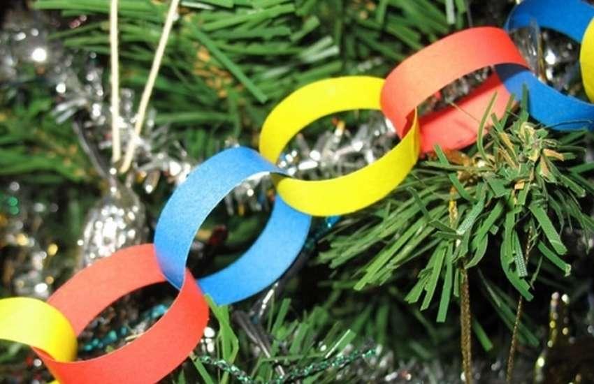 Цепочка из разноцветной бумаги