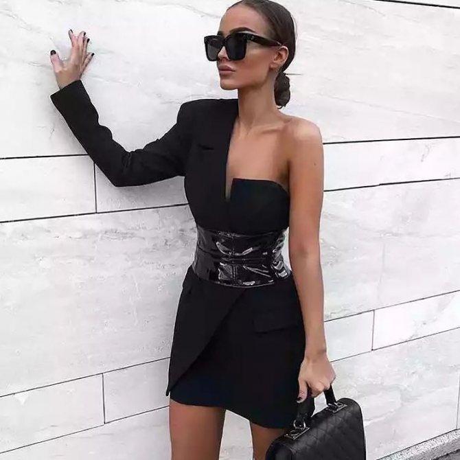 платье с ассиметричным кроем