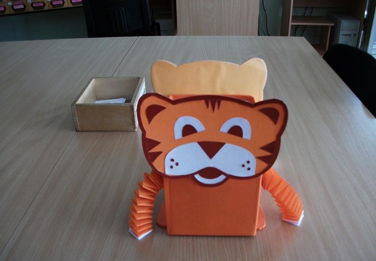 конфетница в виде тигра