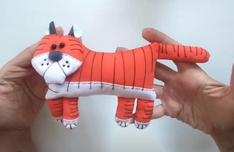 Тигр своими руками из ткани